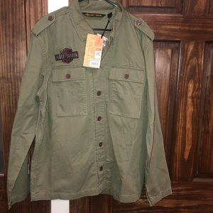Mens size large Harley Davidson button up shirt
